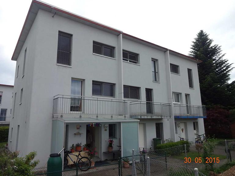 5.5 Zimmer 3 Familien-Reihen-Eckhaus